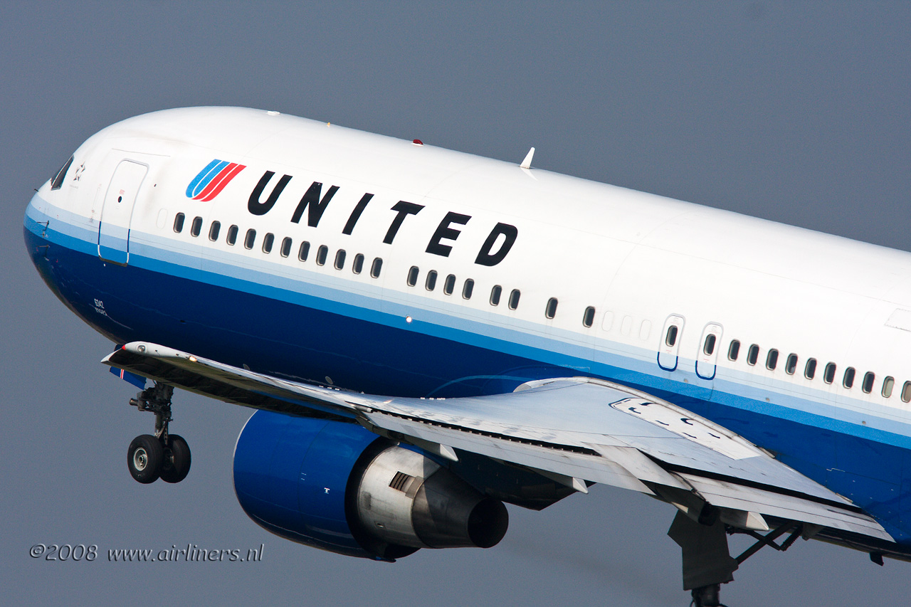 United Airlines 767 300 N642US Boeing 767 Unit...